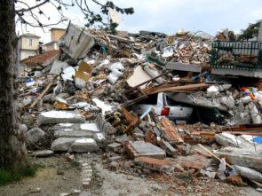 La casa del nostro lettore dell'Aquila, completamente distrutta dal terremoto