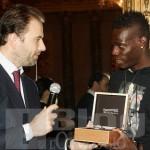 Il calciatore Mario Balottelli premiato con un Chrono 4 di Eberhard