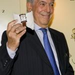 """A Mario Vargas Llosa il premio """"Latino Internacional 2008"""" di Cuervo y Sobrinos"""