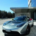 Chi vuole provare la Tesla Roadster  TAG Heuer?