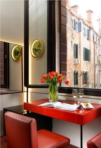 hotel l 39 orologio a venezia l 39 orologio. Black Bedroom Furniture Sets. Home Design Ideas
