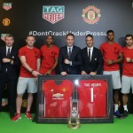 Loic Biver,Leo Poon and Jamie Reigle take group photo with Manchester United players and legends to mark the exciting moment_1