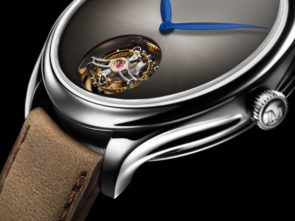 Endeavour Tourbillon Concept Steel_1804-1200_Close-up_Glow