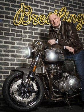 Breitling_CEO_Mr_Georges_Kern_and_a_Norton_Commando_Motorcycle_02_blog2